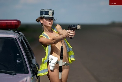 инспекторша с нарушителем порно