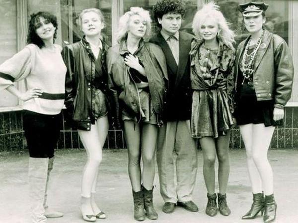 Ответы@Mail.Ru: 90-e годы!...В какой одежде ходили девушки и парни ...