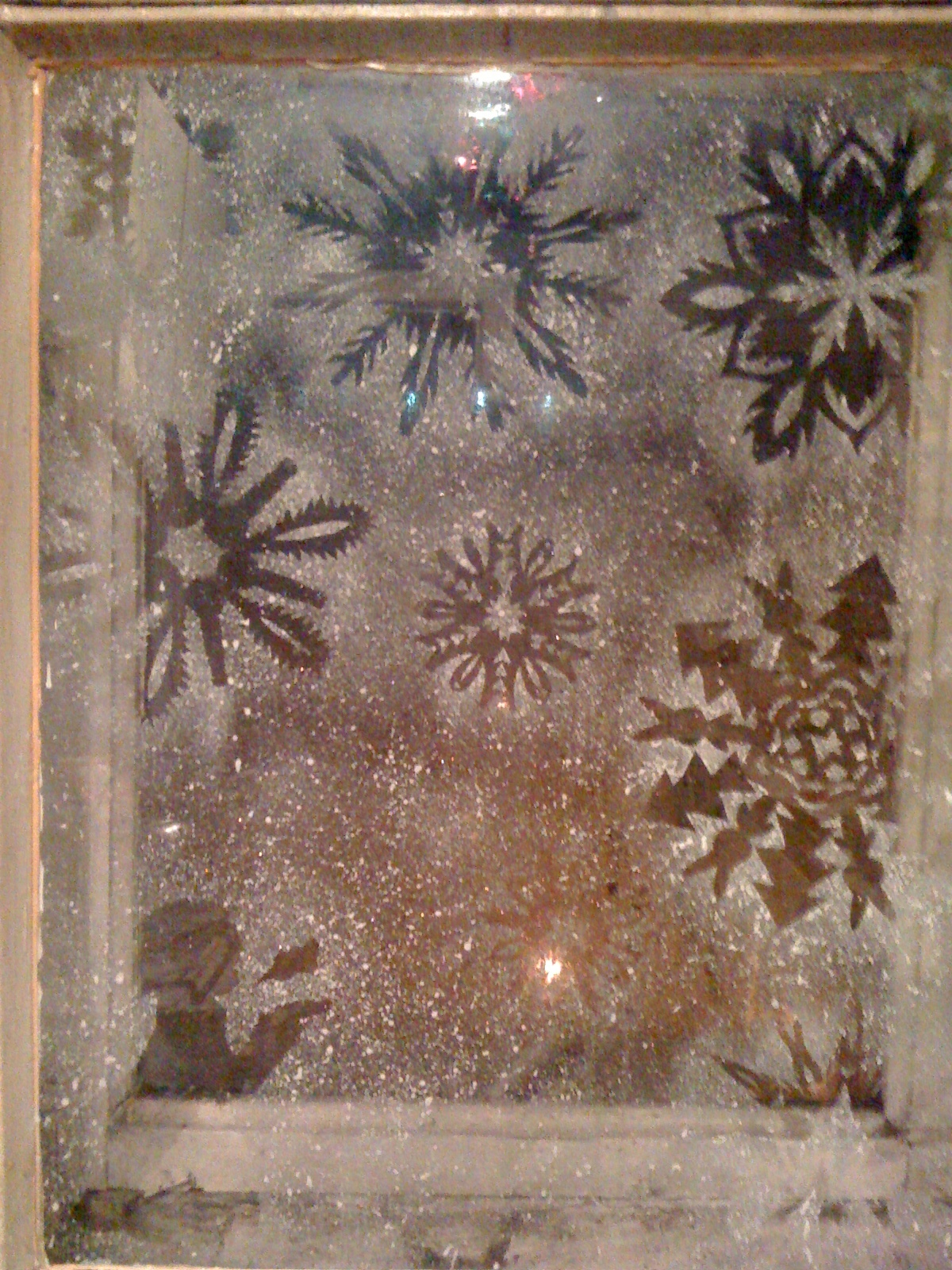 цветов зимние узоры на стекле зубной пастой фото рабочий отношусь