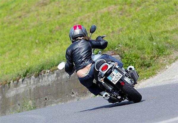 Муж против мотоцикла