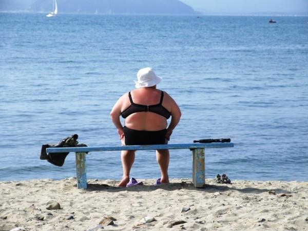 На пляже толстые фото фото 692-383
