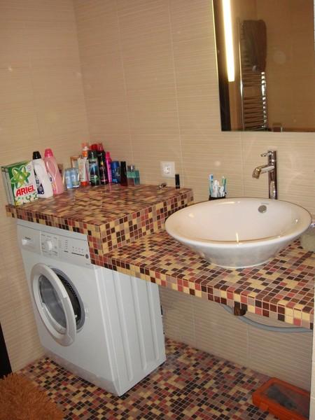 Столешница в ванной комнате из мозаики фото