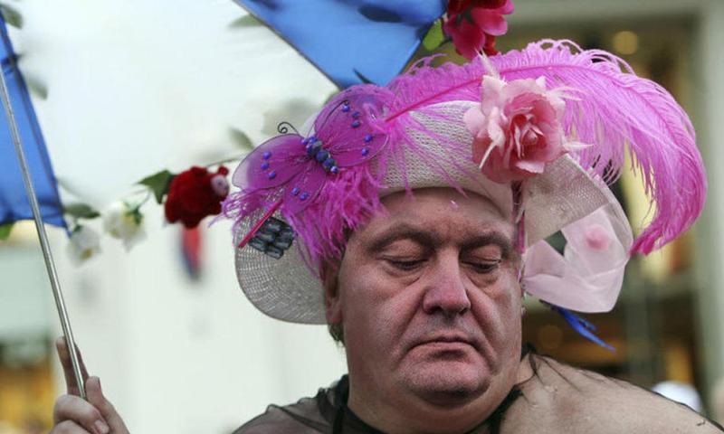 В Европарламенте призвали Порошенко возглавить ЛГБТ-парад в Киеве