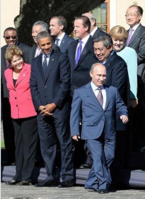 Чуть ли не на шпагат сел: Лукашенко при встрече с Путиным пытается сгладить низкорослость главы РФ - Цензор.НЕТ 4794