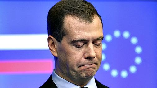 У Путина всегда Медведев виноват. А кто виновен у Медведева?