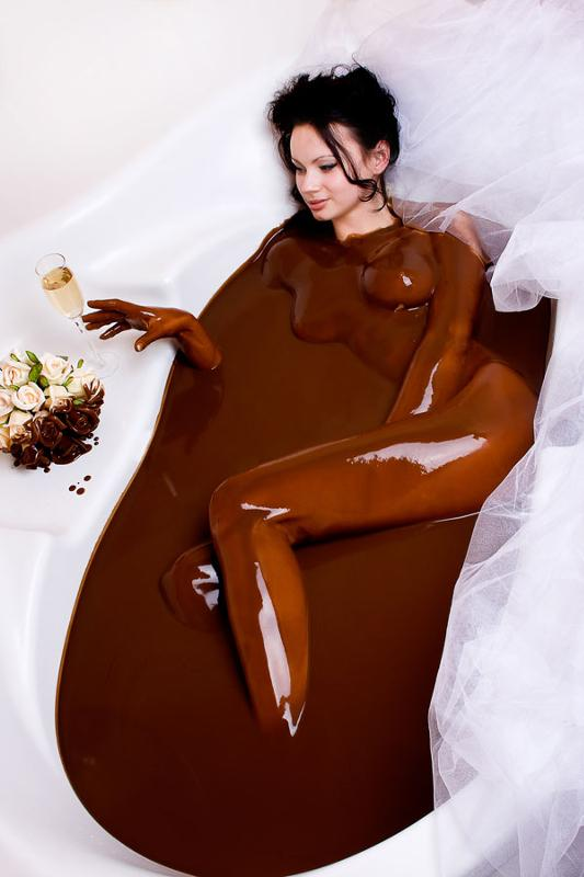 сами, голые дамы в шоколаде бабы прозрачном латексе