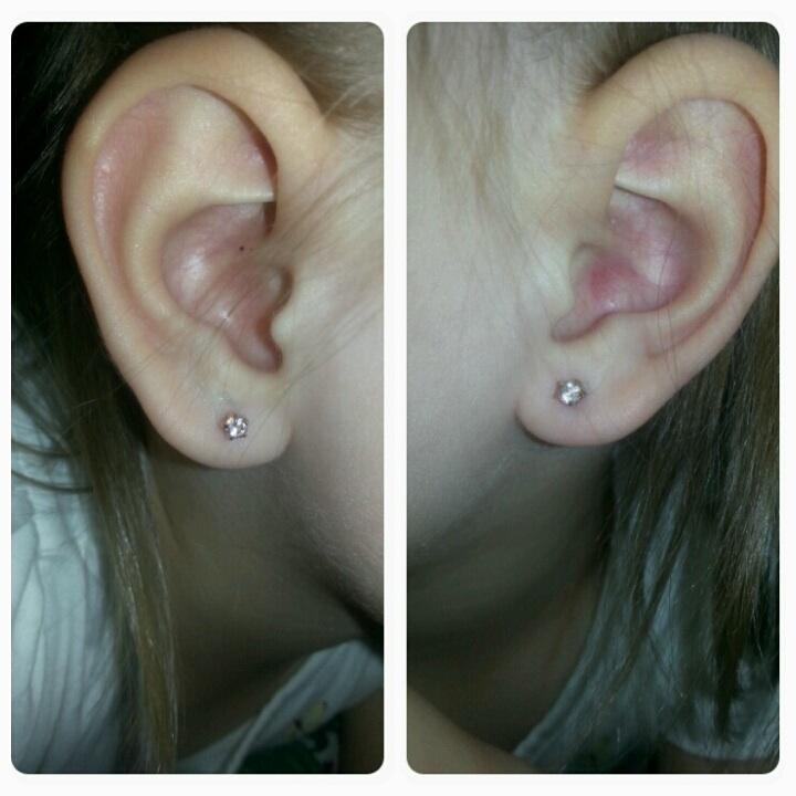 Кривые дырки в ушах