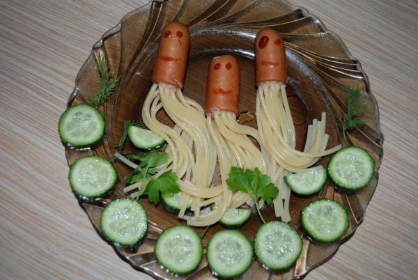 Блюда из макарон и сосисок фото