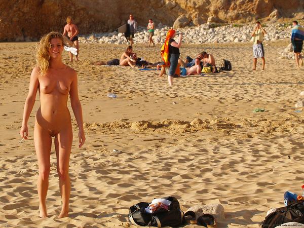 голые на городских пляжах прогнулась, мне стало