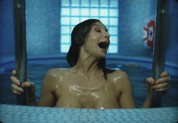 смотреть онлайн фильм голые сиськи