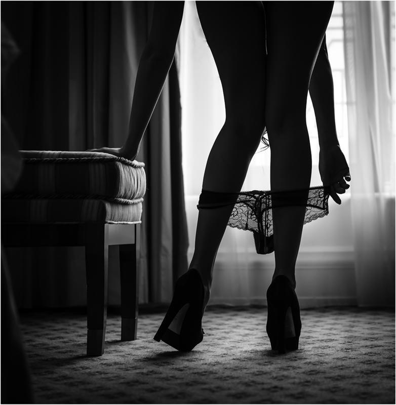 Фото между женских ног фото 16967 фотография