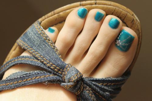 Самые красивые пальчики ног девушек, изменяет жена с другом