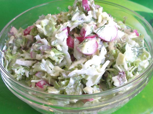салат из огурцов капусты и редиски