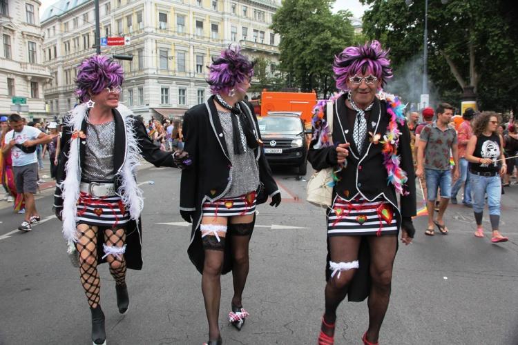 гей парад фото
