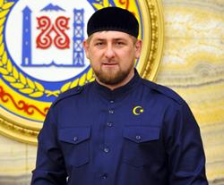 aa80dcbeef2 Но не нашел такую рубашку как у Кадырова. Слышал несколько человек купили  такую рубашку через какой то Интернет магазин Дагестана. Но не сказали  именно ...