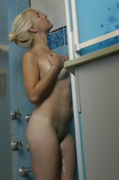 Подглядывание за голыми актрисами и певицами
