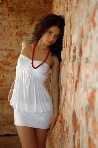 фото девушка в белом