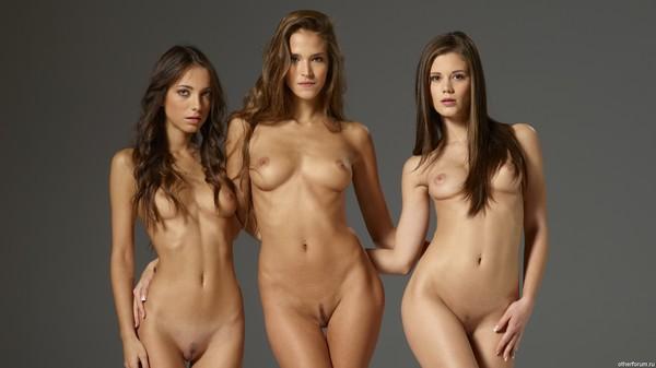 Лучшие сайты с голыми девушками фото