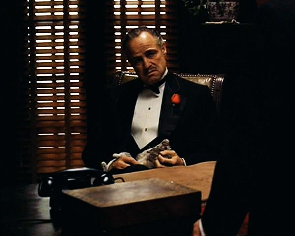 я знаю что вы меня подозреваете в убийстве никто него