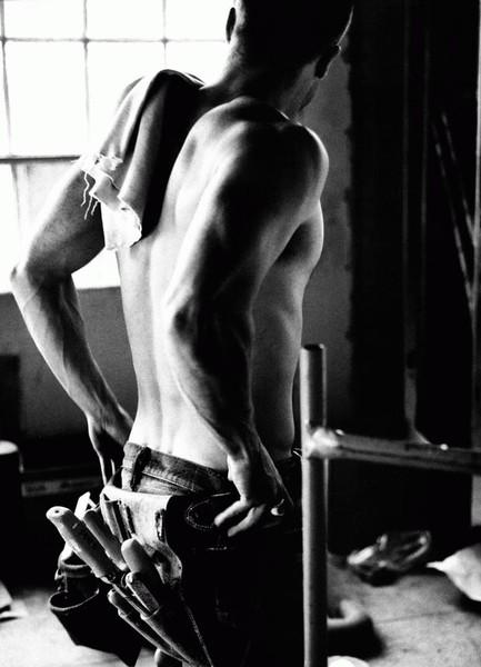 фото обнажонного мужчины со спины