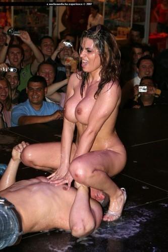 секс шоу красивые фото голые