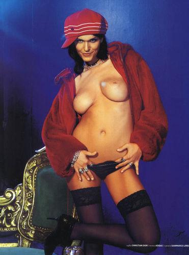 prostitutki-metro-golie-snimki-estradnih-zvezd-rossii-smotret-individualki