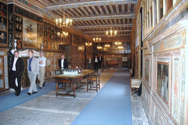 should chateau de vallois begin to
