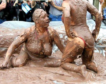 Драка женщин в грязи фото 384-34