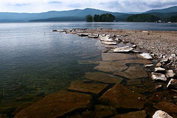 Ответы mail ru Задали в школе реферат на тему Озеро тургояк  Эта картинка больше всех подходит какая прозрачная вода
