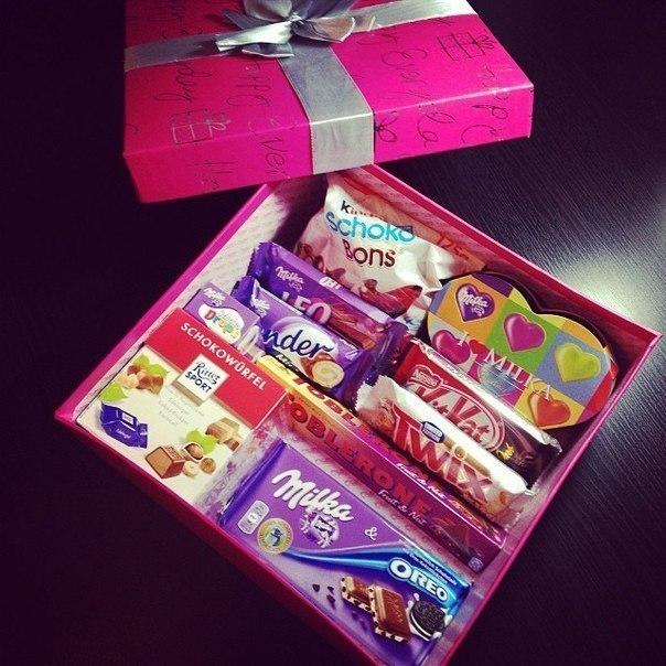 Коробка с подарками на новый год