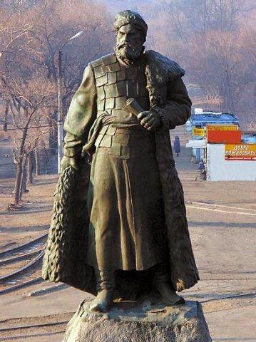 памятник хабарову в хабаповске история малышки обожают
