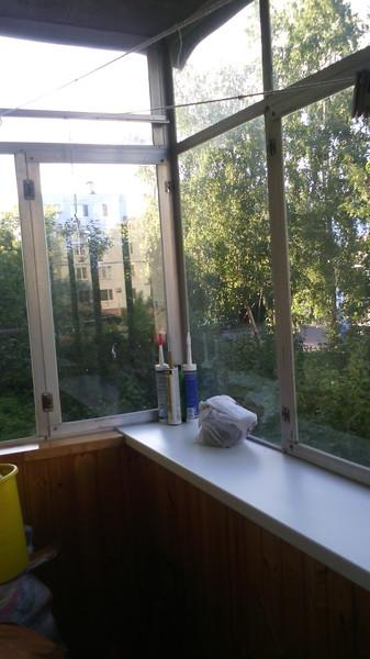 Ответы@mail.ru: кто застеклил в хрущёвке балкон, без выноса-.