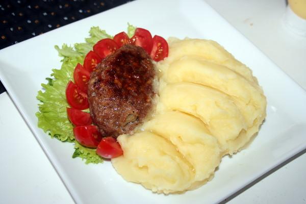 например, как красиво подать картофельное пюре фото фнс также напомнили