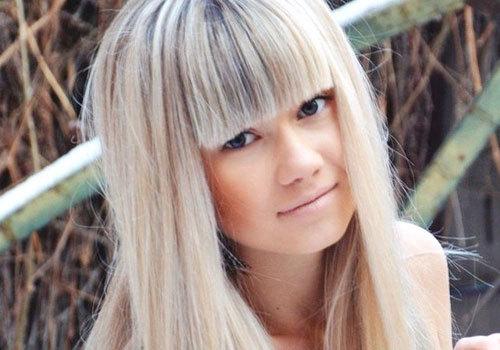 Девушка подросток с русыми волосами фото