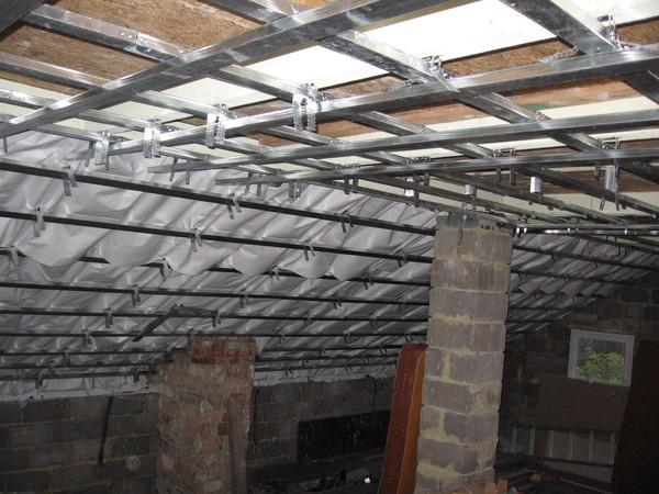 Как сделать потолок если нет балки 83