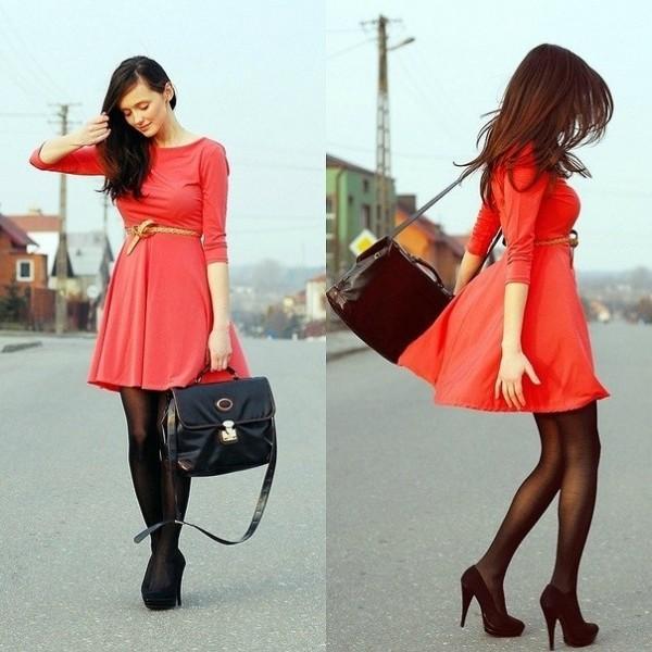 Платья до колена с рукавами фото