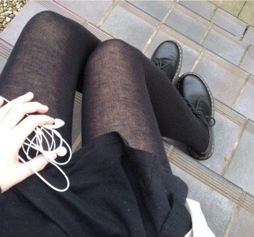 Девочки фоткают свои ножки фото частное фото 718-508