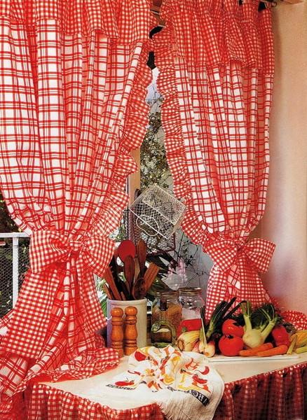 шторы в клетку для кухни фото