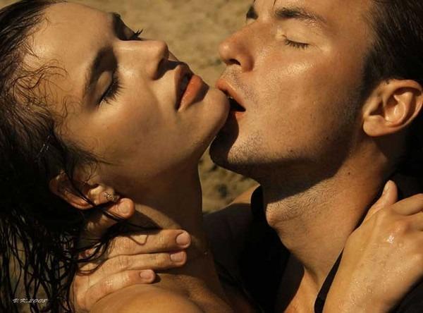 Поцелуй эротичный