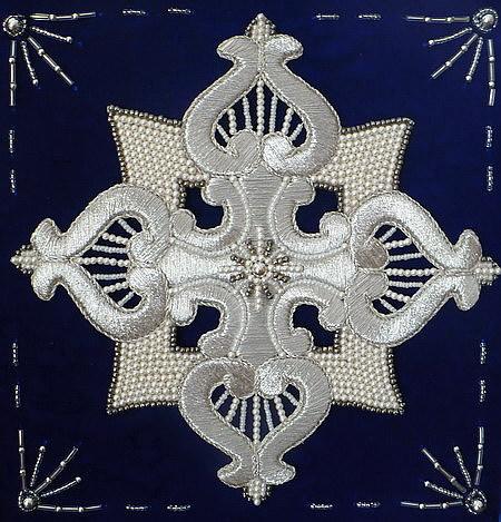 вышивка православного креста.