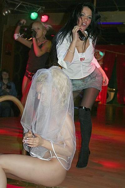 smotret-svadbu-lena-berkova-onlayn-samaya-sochnaya-pizda-v-novosibirske-v-sperme-foto