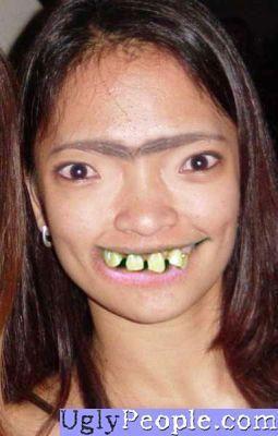 фото девушек брюнеток с карими глазами