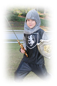 Как сделать щит и меч из картона фото 348