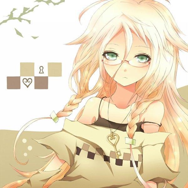 Аниме девушка с золотистыми волосами