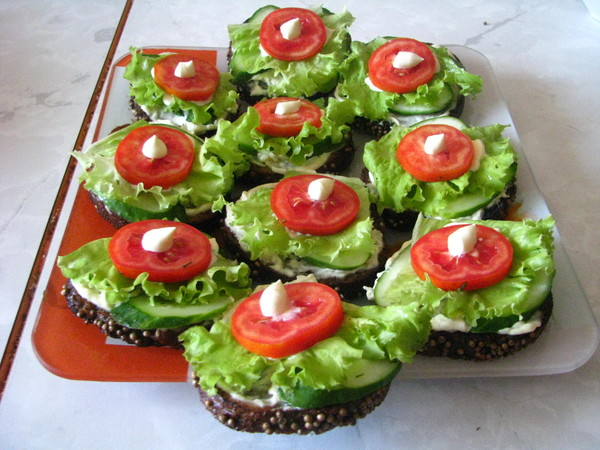 Рецепты салатов и бутербродов с фото