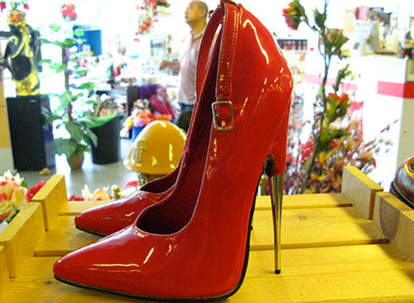 Прикольные картинки женская обувь, днем