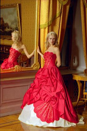 Что означает выйти замуж в красном платье