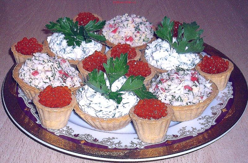 Давайте попробуем рецепт тарталеток с начинкой из печени трески.