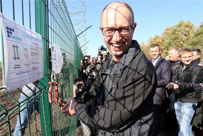 """""""Политическое единство в Украине не только необходимо, оно - жизненно важно"""", - Яценюк после встречи с Оттингером - Цензор.НЕТ 3909"""