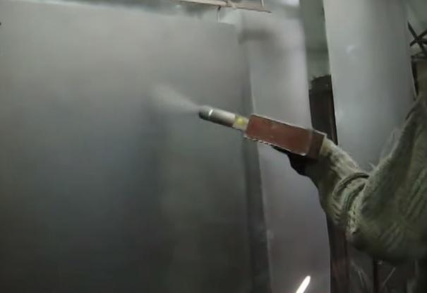правильно покрасить металлические двери
